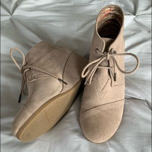 Toms wedge tan suede booties